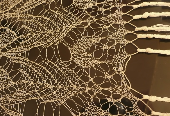 Omi'sLace-detail.jpg