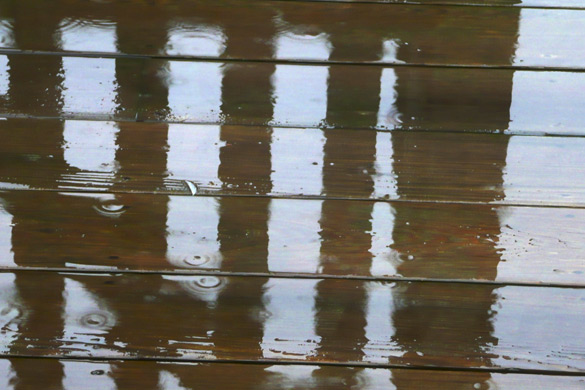 RainOnDeck2.jpg