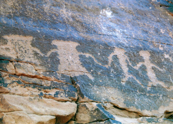 ValleyOfFirePetroglyphs4.jpg
