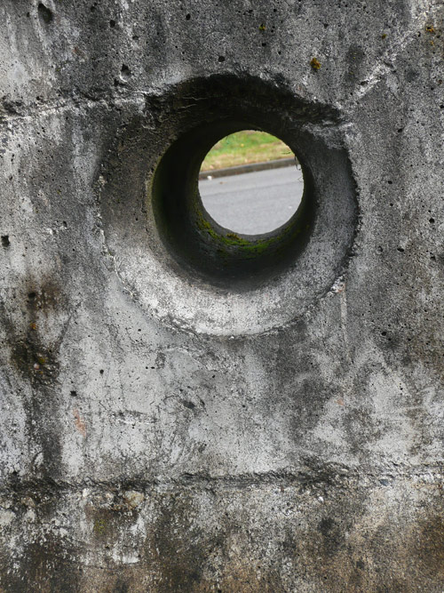hole_in_concrete3.jpg