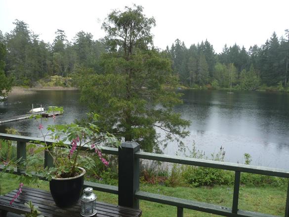 lakesidecottage.jpg
