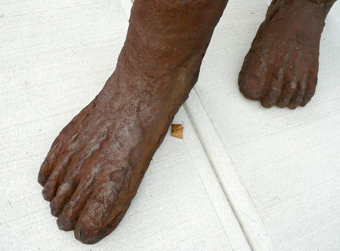_Abakanowicz_Figure_Foot